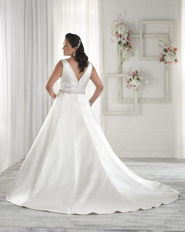 Bonny Bridal Unforgettable at Brides with Curves