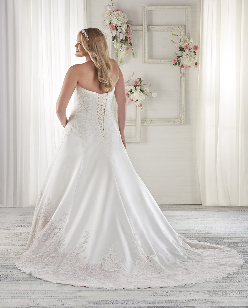 Bonny Bridal Unforgettable from Brides with Curves