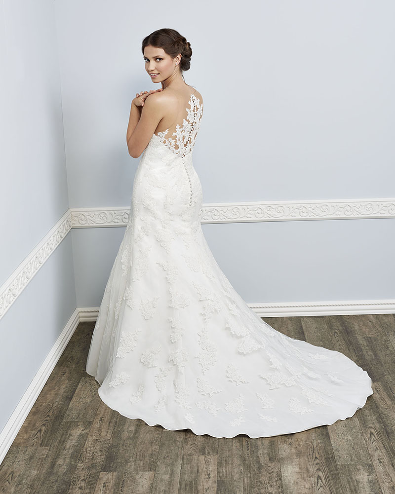 Kenneth Winston Femme at Brides with Curves